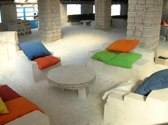 A hotel made entirely out of salt cascada eco textiles for Salar de uyuni hotel made of salt